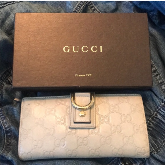 Gucci Handbags - 💥SOLD💥 Gucci New Abbey long wallet